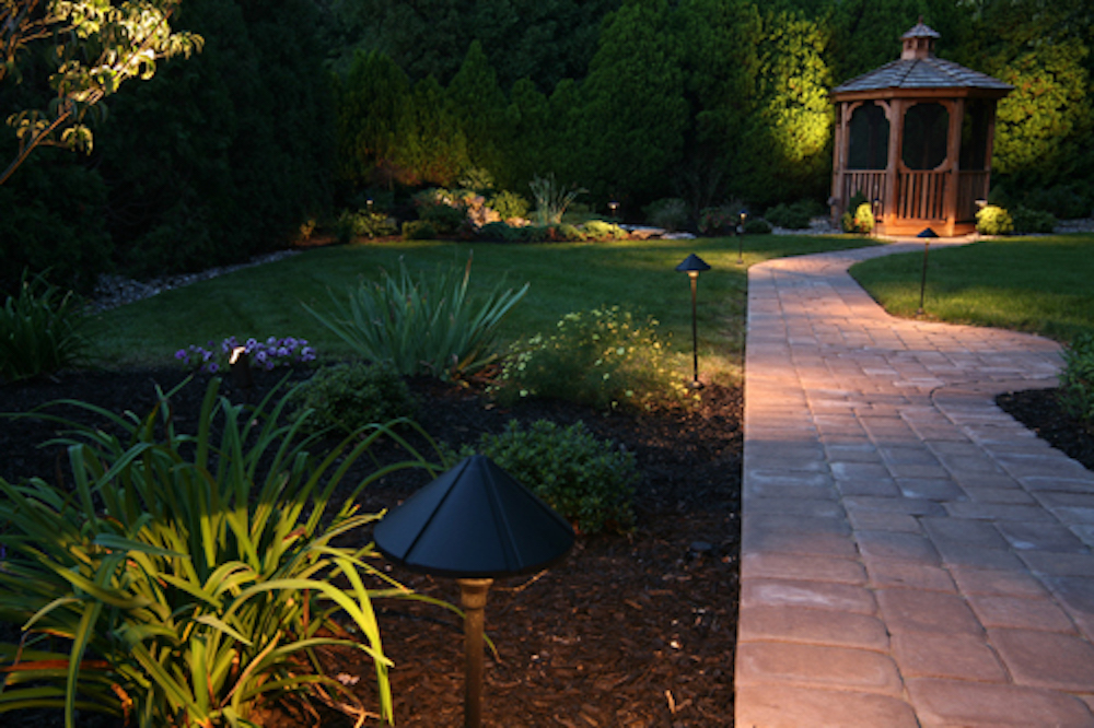 outdoor landscape lighting pathway